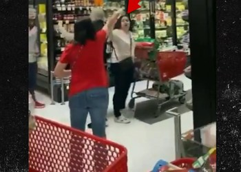 Staten Island Shoppers Chase Woman Out of Store for Not Wearing Mask