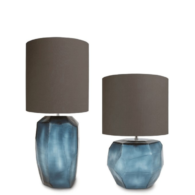 guaxs kubistische tafellamp tall blauw