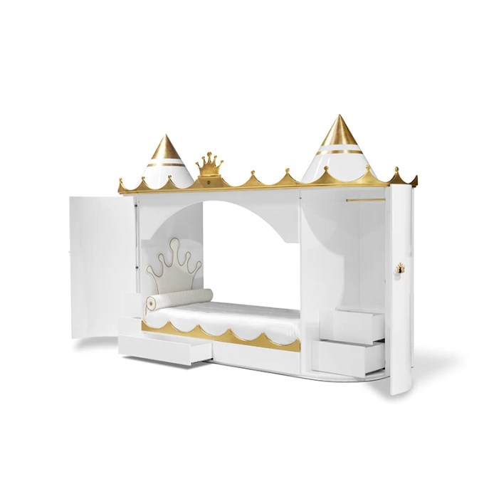 Kings And Queens Castle Bed