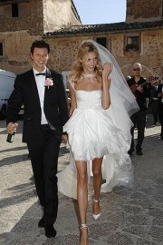 http://www.vogue.co.uk/news/2011/07/19/anja-rubik-married-wedding-pictures/gallery/644308