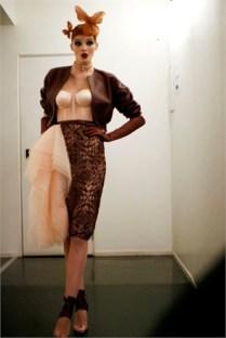 jean-paul-gaultier-haute-couture-ss14-2014-0101-84114_0x440