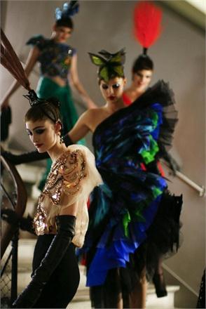 jean-paul-gaultier-haute-couture-ss14-2014-0329-2453691_0x440