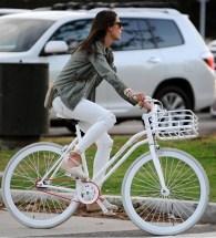 http://www.harpersbazaar.com/celebrity/news/celebrity-bike-style?src=spr_FBPAGE&spr_id=1447_57695307#slide-7