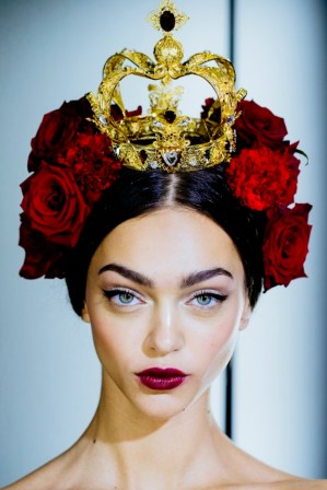 http://www.vogue.com/fashion-week/1449727/dolce-gabbana-spring-2015-rtw/