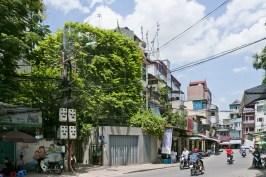 53e02288c07a8018740000fc_green-renovation-vo-trong-nghia-architects_portada