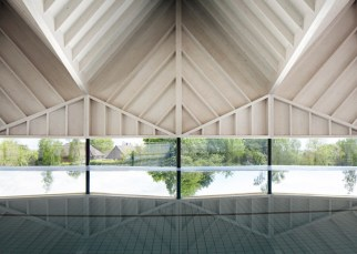 Alfriston-Swimming-Pool-by-Duggan-Morris_dezeen_784_0