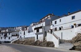La entrada a Setenil desde la carretera de Ronda depara enormes sorpresas a nuestros visitantes. Foto. CINXXX