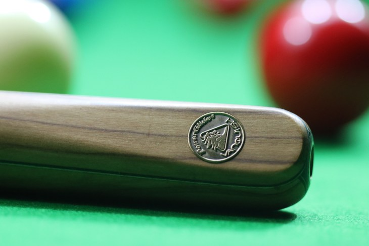 Snooker Cue But Zoom Up