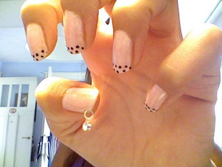 acrylic-nail-piercing-for-short-nail