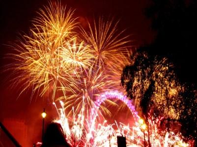 fireworks-645048_960_720
