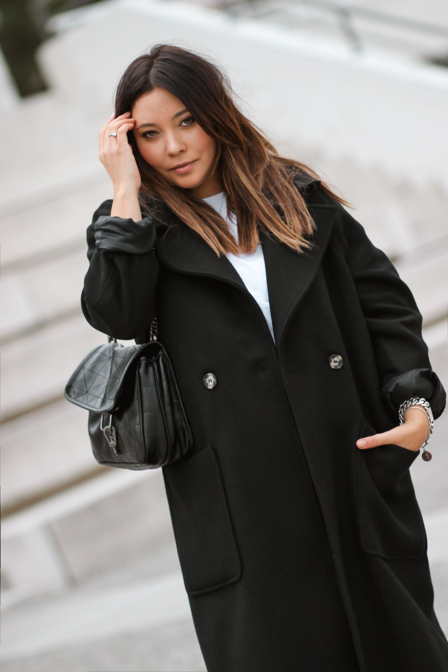 blogueuse mode, manteau noir hm, sac inspi ysl, sac zara, baggy zara, boots inspi isabel marant, bottines hm, bottines western femme, and other stories, bershka, MANTEAU NOIR LOOSE + BAGGY +BOTTINES H&M INSPI #ISABELMARANT