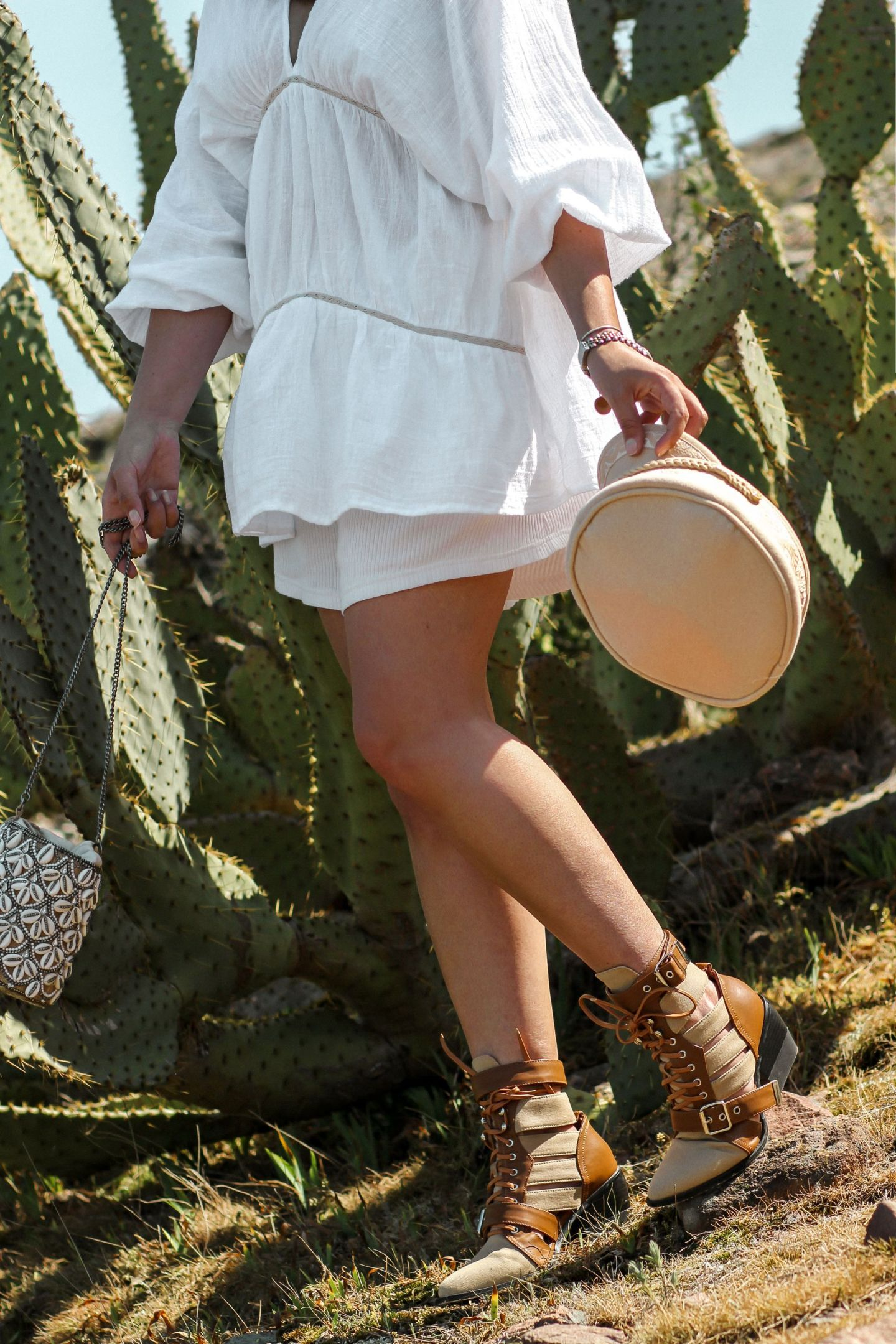 blog mode, the green ananas, pinterest mode, tendance mode, elle magazine, blouse zara, zara, style boheme, saboskirt, lack of color, sac coquillages, spring in white, boots inspi chloé, rolex