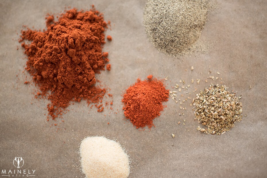 Best spice mix for fried chicken - paprika, cayenne, oregano, garlic powder and pepper