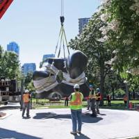 Moving Two Large Forms: the Displacement of Henry Moore