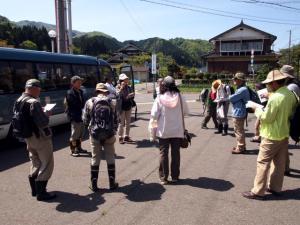 全員集合。兵庫県南部から8名、地元2名