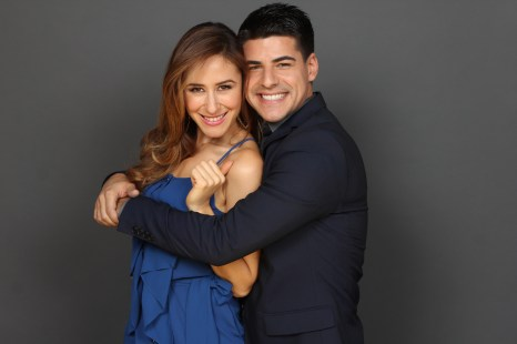 alex-miranda-ok-tv-correspondents-julie-alexandria-posing