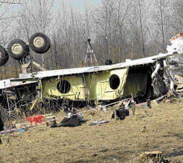z19504102ihsmolensk-wrak-prezydenckiego-samolotu-tu-154-1024x630