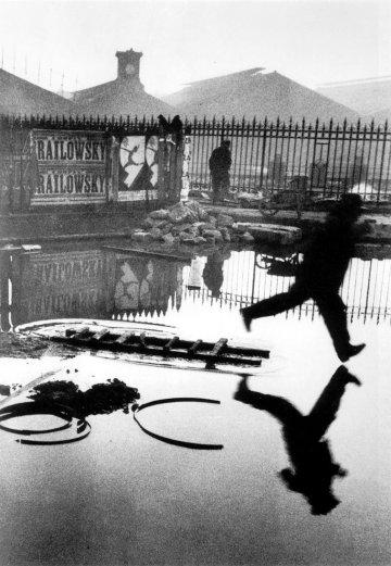 Henri Cartier-Bresson, Behind the Gare Saint-Lazare. Paris. 1932 @Henri Cartier-Bresson | Magnum Photos