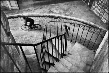Henri Cartier-Bresson, FRANCE. Man cycling down street. Hyères. 1932. @Henri Cartier-Bresson | Magnum Photos