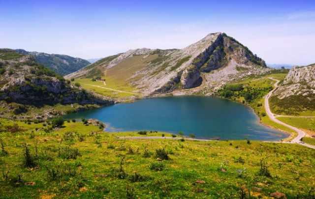 que ver en el norte de España lagos de covadonga