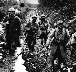Soldados franceses en la zona del Somme (1918)