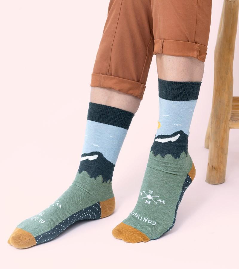 calcetines-contigo-al-quinto-pino-brujula (1)