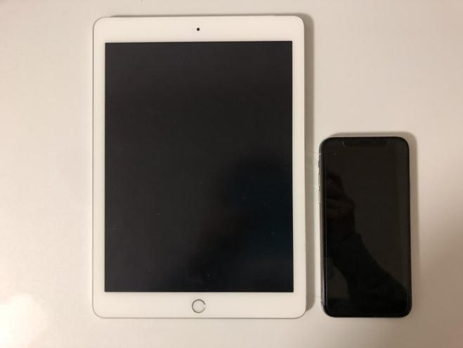 "alt""iPadとiPhoneの比較"""