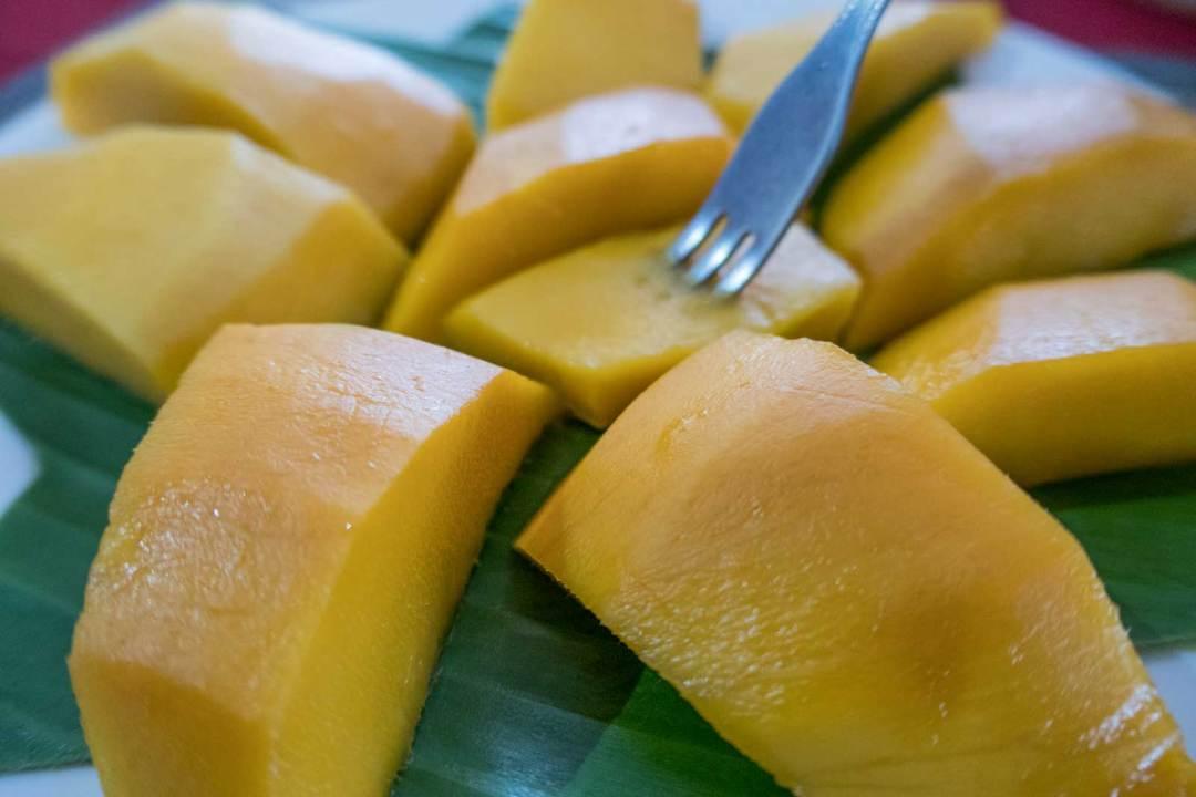 Siem-Reap-mangoes-1600x1067