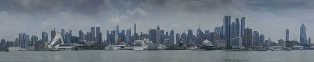 Midtown-West-Manhattan-from-Hudson-River-Ferry-1600x320