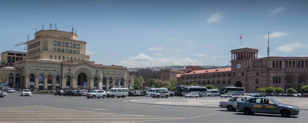 Republic-Square-Yerevan-Armenia-1600x640