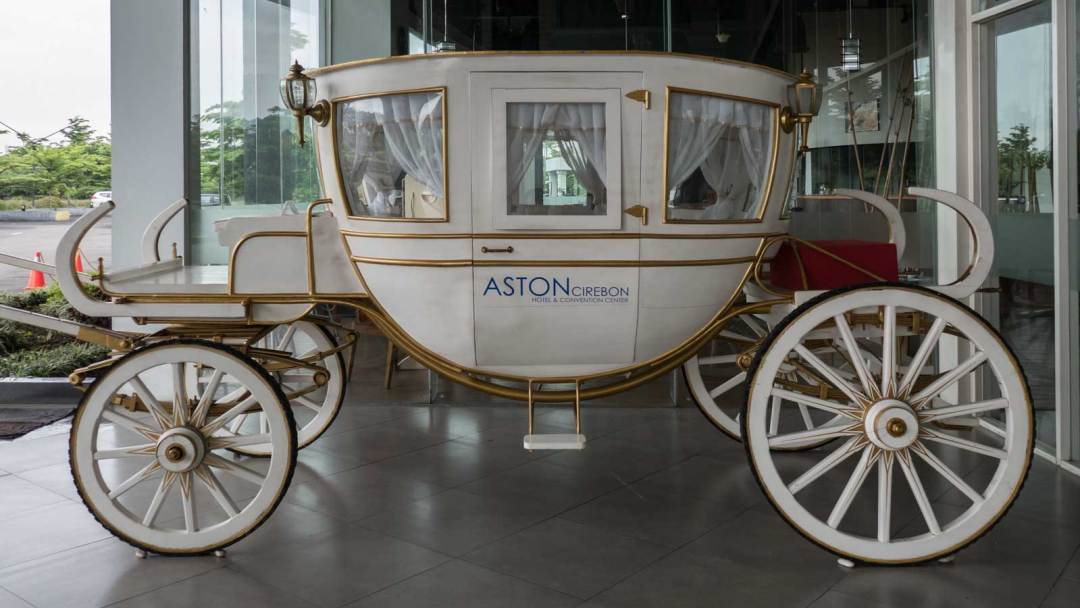 carriage at Aston Cirebon Hotel & Convention Center entrance