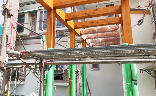設計した店舗(鍼灸接骨院)付き住宅のアプローチ