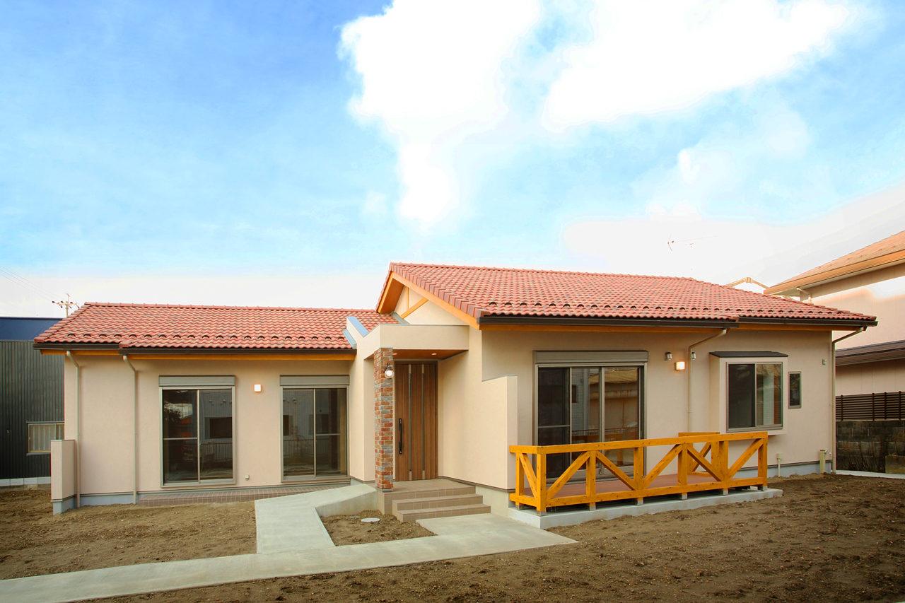 スロープのある夫婦二人で住む平屋建てバリアフリー注文住宅の新築設計、デザイン 愛知県一宮市