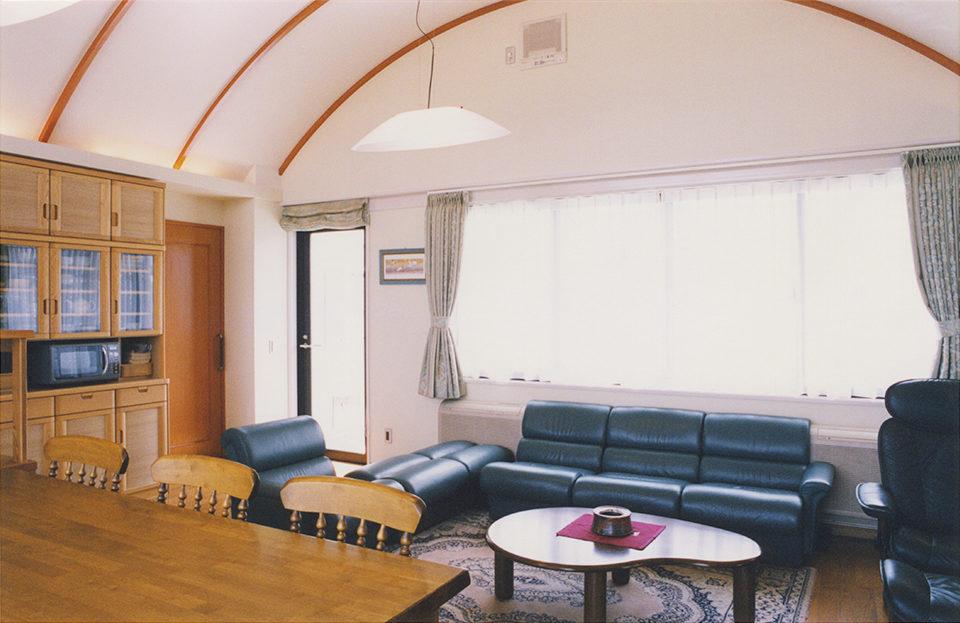 ホームエレベーター付きバリアフリー鉄筋コンクリート造打ち放し3階建て注文住宅の新築設計・デザイン ゲストルーム