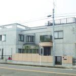 三世帯同居バリアフリー注文住宅の設計・デザインした鉄筋コンクリート造打ち放し注文住宅