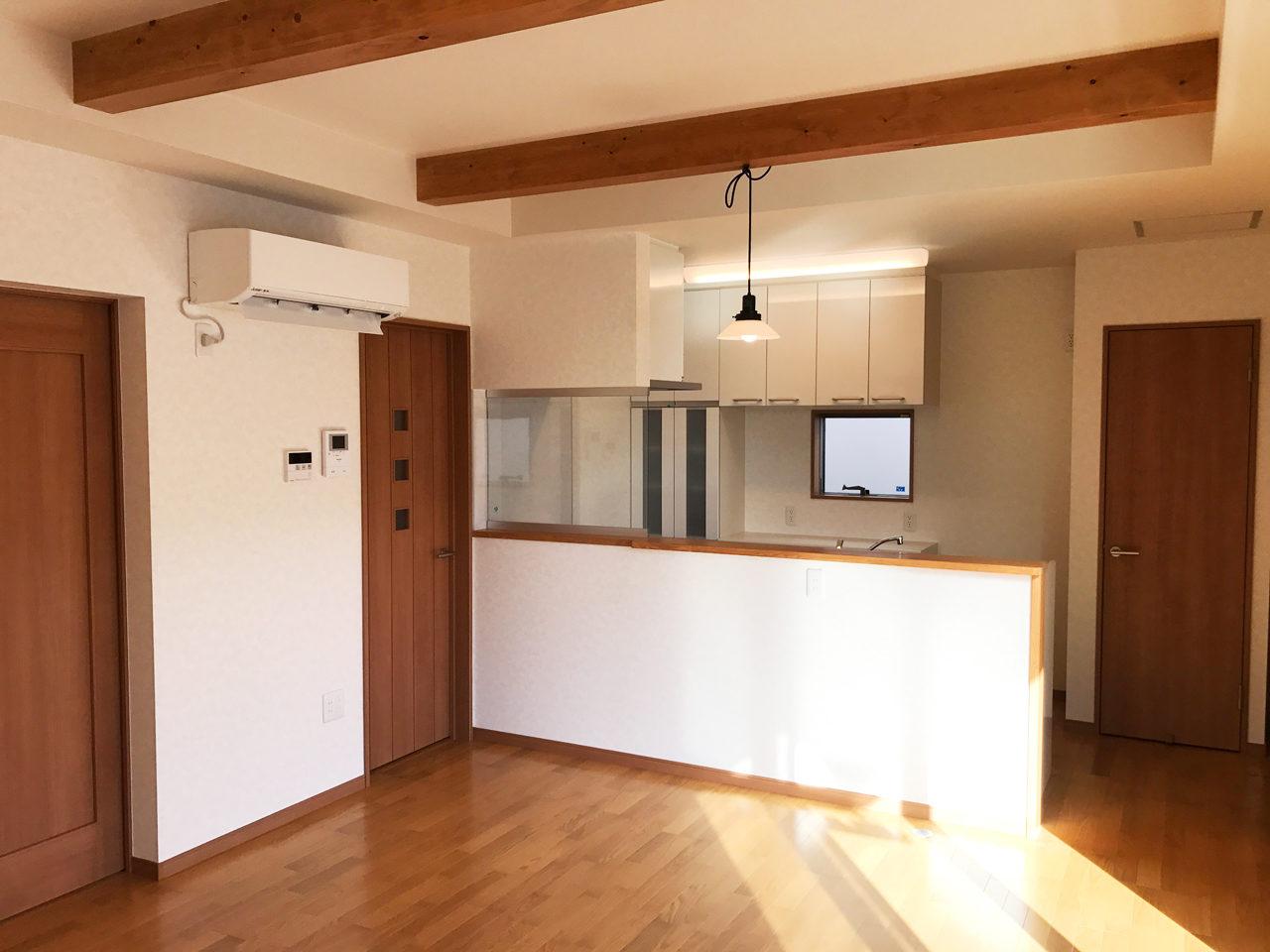 鍼灸接骨院兼用二世帯住宅の新築設計をしたレディース治療院の子供世帯の建物引き渡し