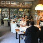 東京から月間石材のライターさんが来所され雑誌の取材を受けています