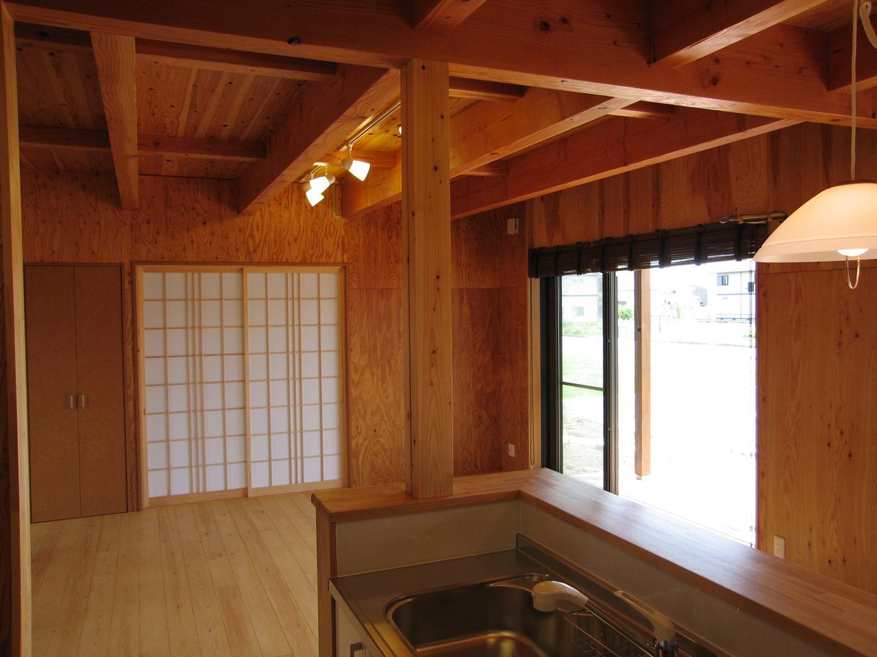 開放的で木の温もりのする注文住宅の新築設計