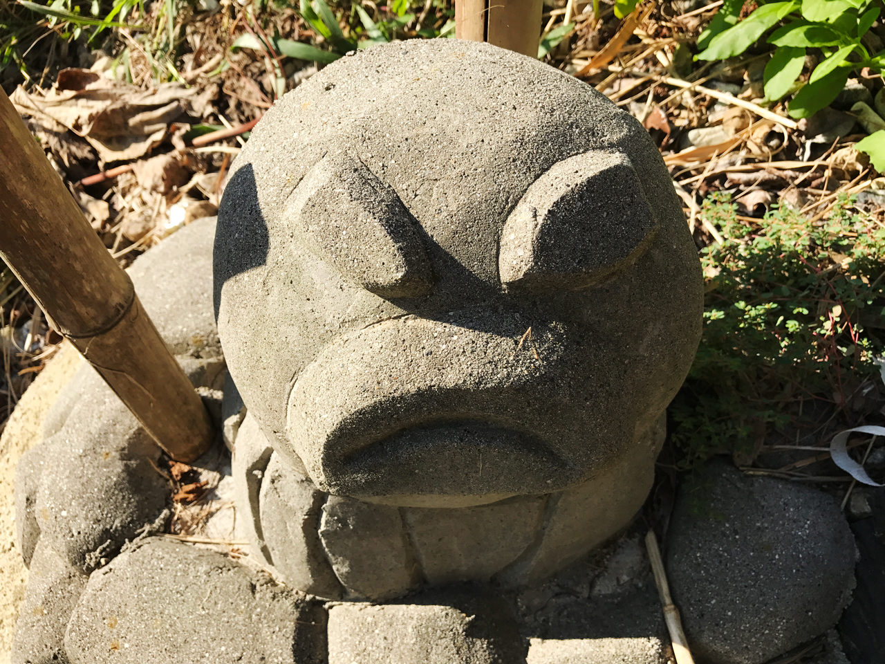 日間賀島のタコの置物
