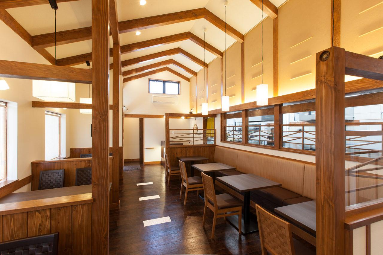 とんかつ屋、定食店のテーブル席デザイン、設計|一宮市