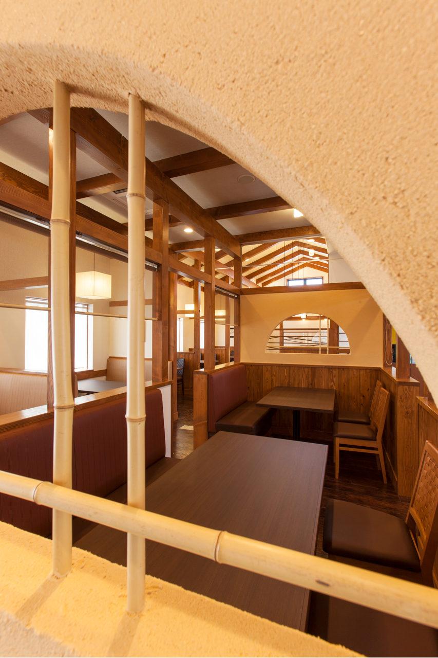 和食店の半個室テーブル席の店舗デザイン、設計|一宮市
