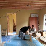 設計したフランスの山小屋風暖炉付きガレージ注文住宅の現場打ち合わせ