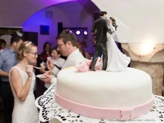 Hochzeitstorte und Brautpaar