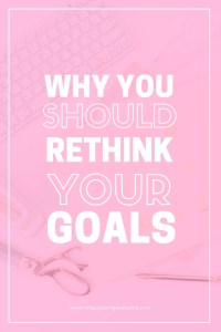 Are you looking for tips to stick with your New Year's Resolution? Are you excited to get in shape, reach your weight loss goals, find some fitness motivation, achieve your life goals? Then you need to try process goals today! Reach your dreams with these simple strategies perfect for men, women, children, and teens. Plus, free journal prompts for self-discovery! #newyearsresolutions #goals #selfcare