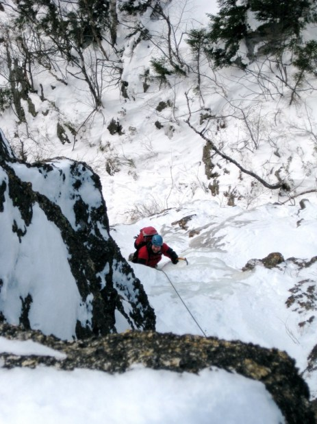 David on the exit gully at the top of Shoestring, still smiling. Photo: Eitan Green