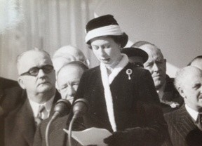 The Queen addresses those gathered at the opening of Calder Hall, 1956