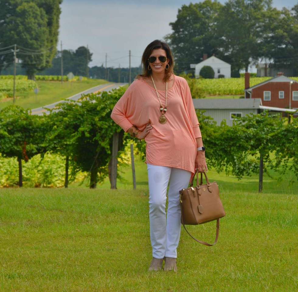 Two Ways to Wear White Jeans for Fall