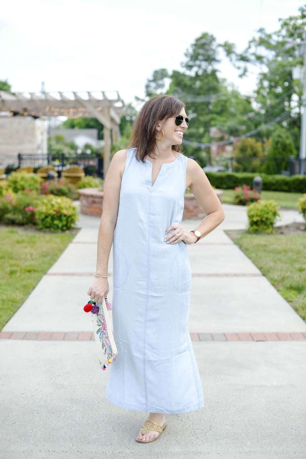 Chambray Maxi Dress + a Tassel Clutch - @mbg0112 - I'm Fixin' To