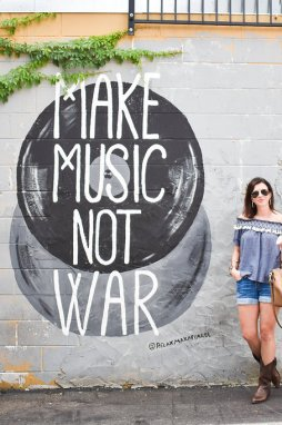 Friday Favorites: Nashville Outfit Roundup & Coffee Talk - I'm Fixin' To - @mbg0112