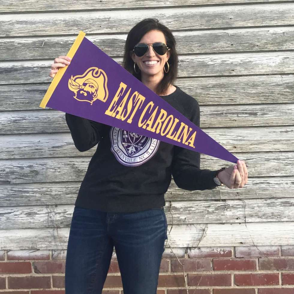 Five Outfits for National Tailgating Weekend - I'm Fixin' To - @mbg0112